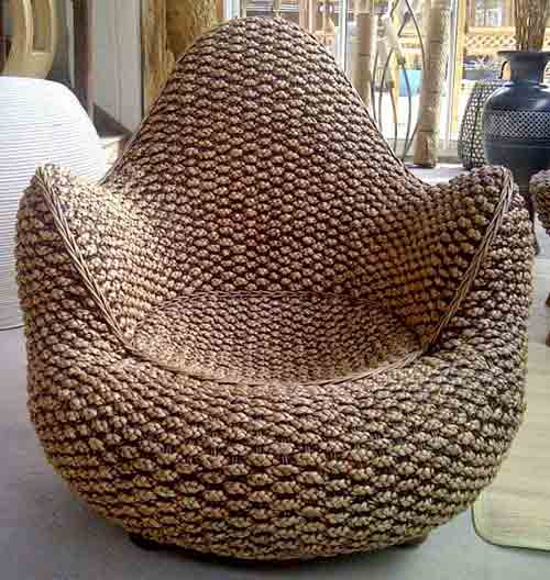 Armchair in banana leaves for export from Indonesia by sourcing agent in Bali.