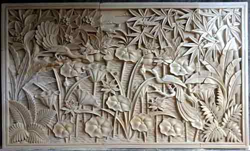 Bas relief of vegetations and animals carved for sale by buying agent indonesia for Bali sourcing and export.