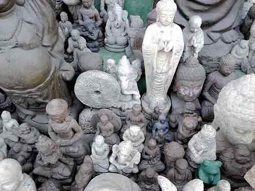 Large selection of Indonesian stone statues for sale by buying agent in Indonesia, Bali export purchase.